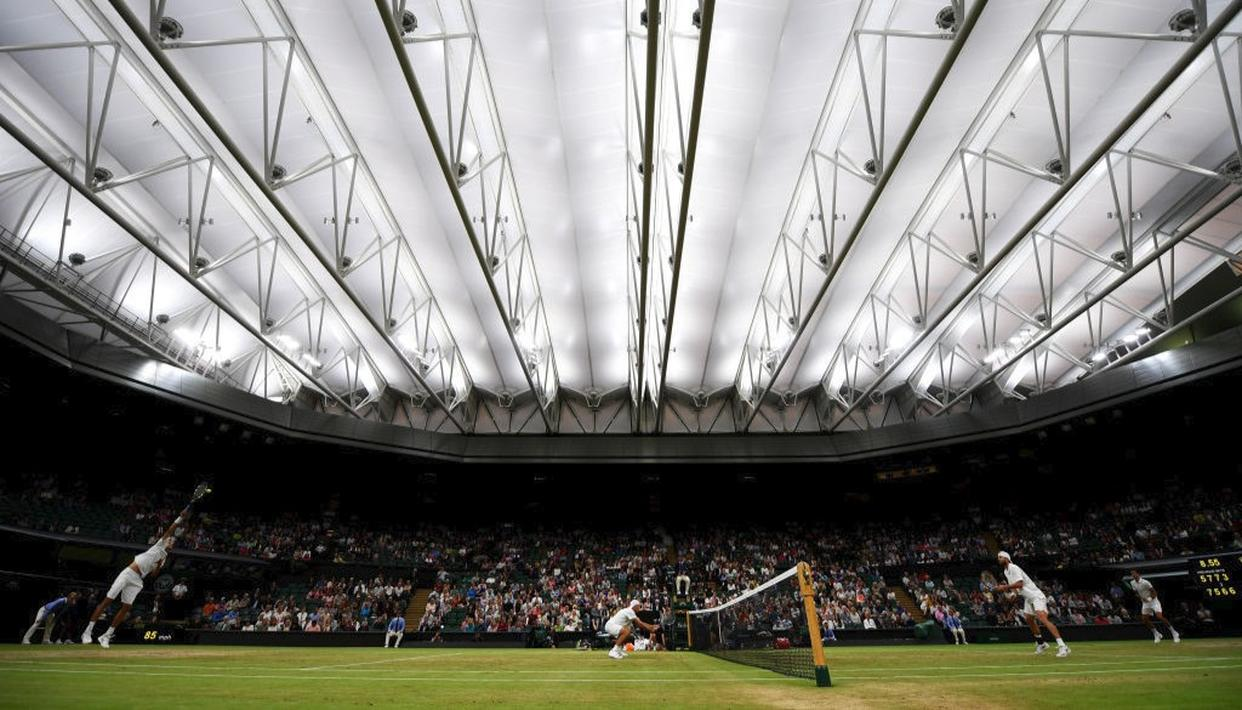 The roof and the break in the fifth set proved decisive in a four and a half hour grueling battle (Getty)