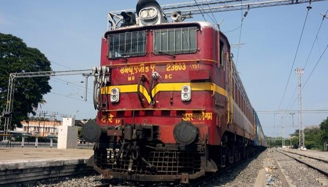 Railways To Induct 40,000 Refurbished Coaches For Rs 8000 Crore