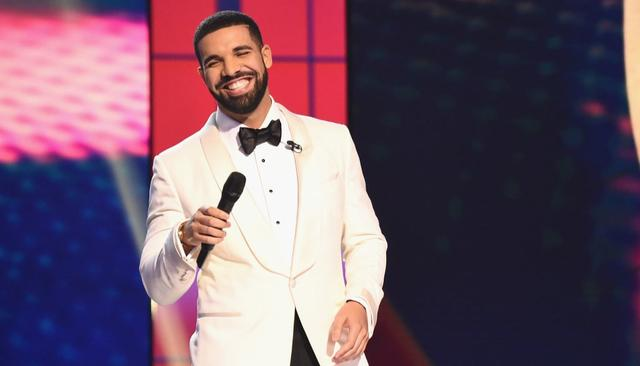 DRAKE RAPS ABOUT JLo IN NEW SONG