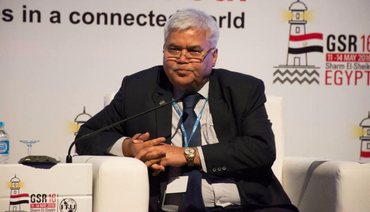 TRAI Chairman wants Apple to share data, but he is wrong