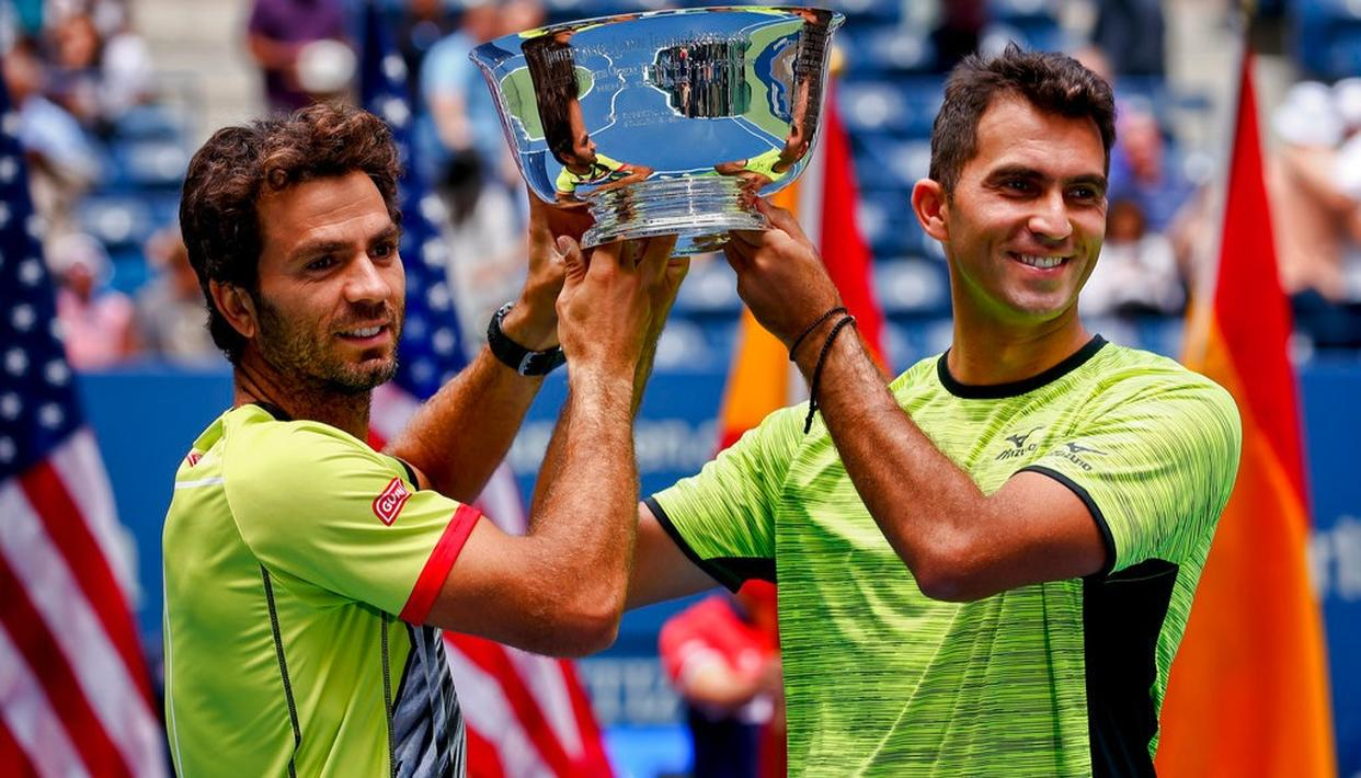 Doubles champion raises social issue with shirt