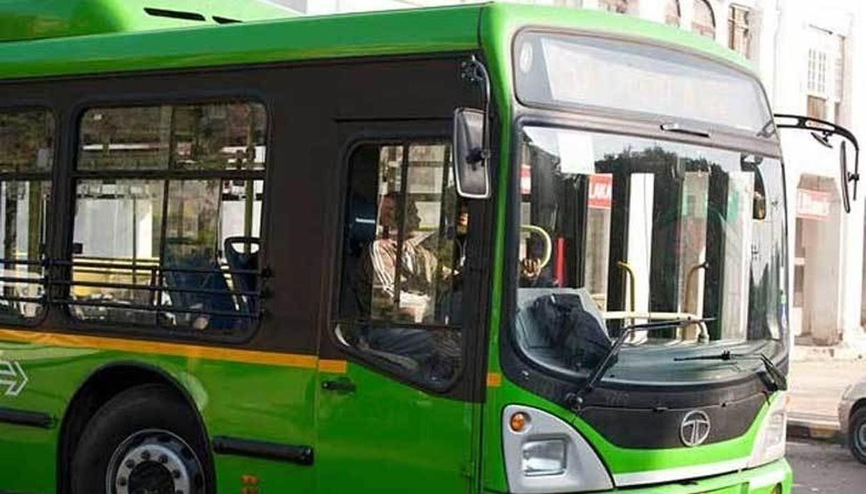 नोएडा: डीटीसी बस की चपेट में आकर छात्र की मौत