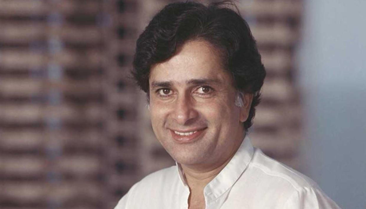 SHASHI TOOK RS. 101 TO SIGN A FILM?
