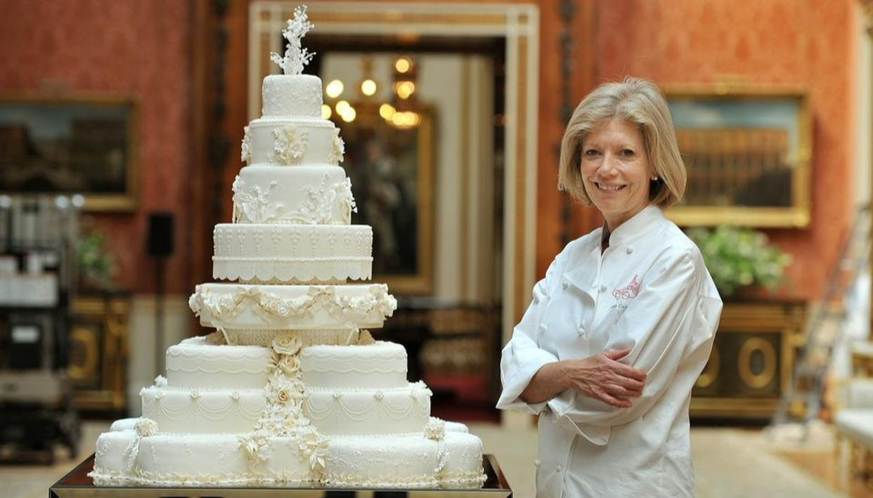 HARRY-MEGHAN PICK CAKE; GO DIFFERENT