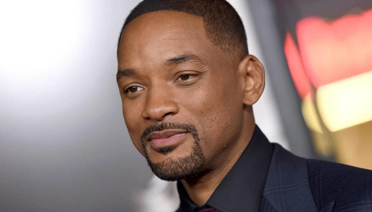 WILL SMITH FRIEND-ZONED BY HUMANOID SOPHIA