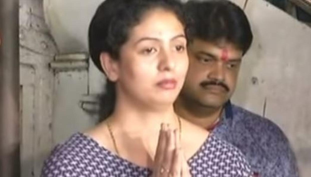 SHAMI'S WIFE ASKS DELHI DAREDEVILS TO BAN HIM
