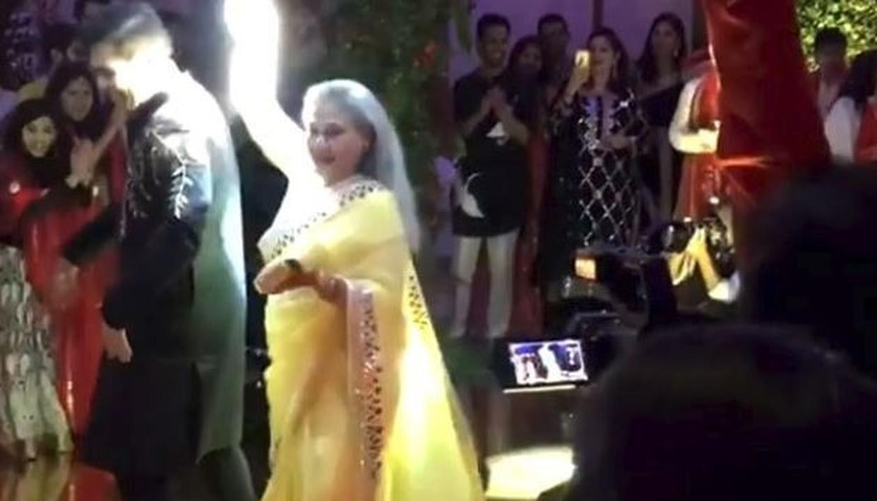 VIRAL: Here's what Jaya Bachchan did on watching Karan Johar's dance - Republic World