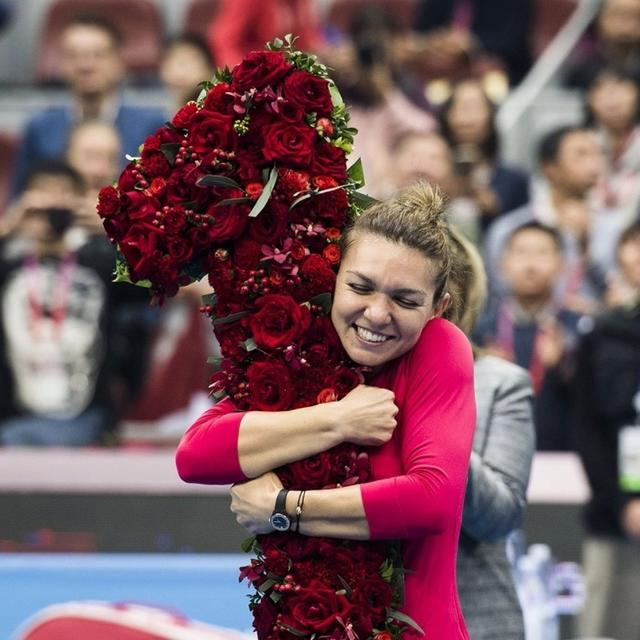 Halep secures top ranking with China Open semifinal win
