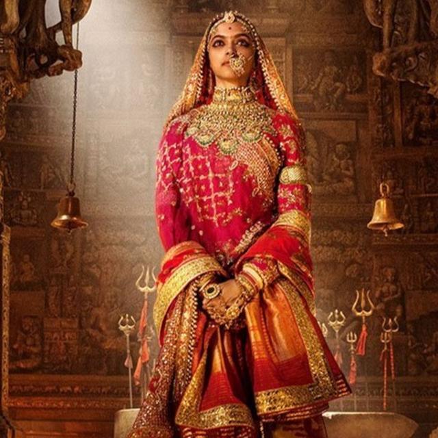 Deepika set to dance to 'Ghoomar'