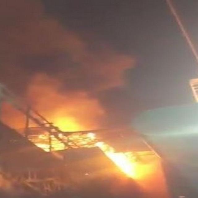 मुंबई के लोअर परेल में लगी भीषण आग