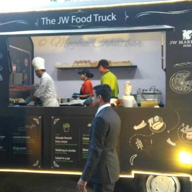 JW MARRIOTT'S FOOD TRUCK!