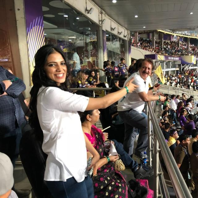 IPL 2018: DID YOU SPOT THIS ACTRESS IN KKR VS SRH MATCH?