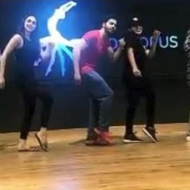VARUN DANCES TO 'BHARAT ANE NENU' SONG