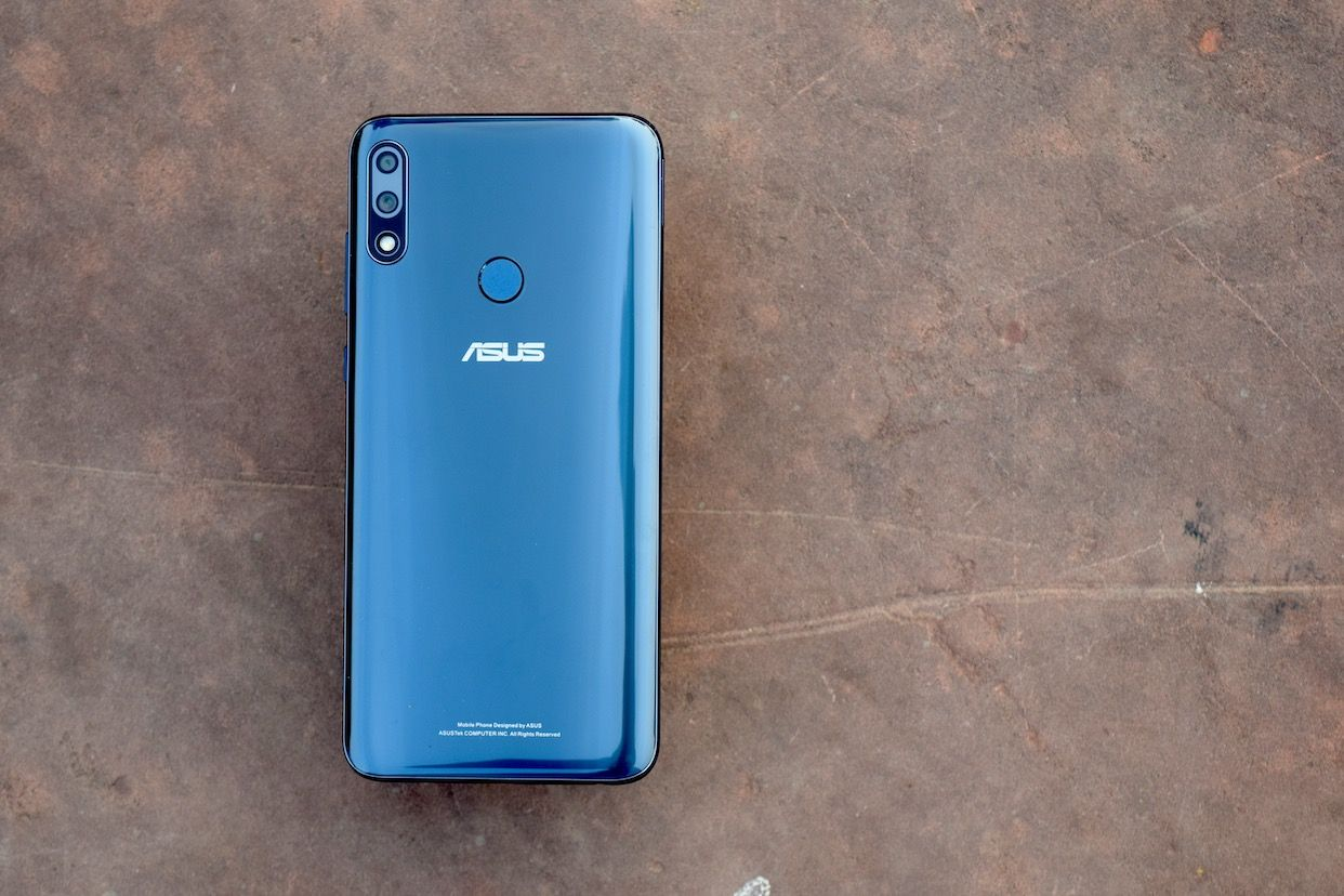 The ZenFone Max Pro M2 has a glass back and Corning Gorilla Glass 6 on the front.