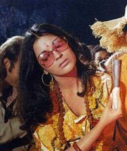 Zeenat Aman's look from Dum Maro Dum