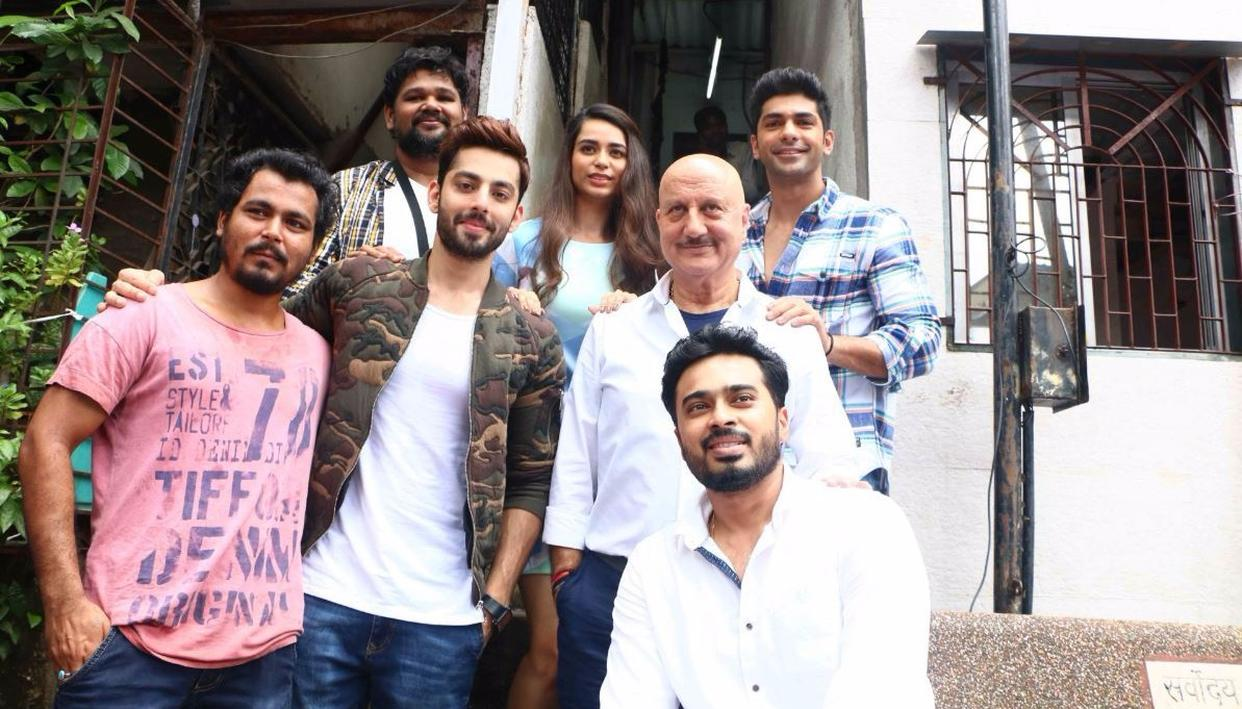 Anupam Kher along with the rest of Ranchi Diaries' cast (Credit: Viral Bhayani)