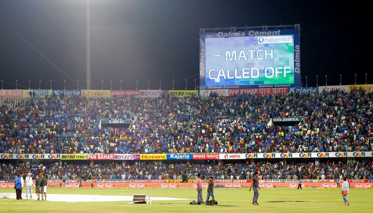 A scoreboard displays an announcement about the third and final Twenty20.