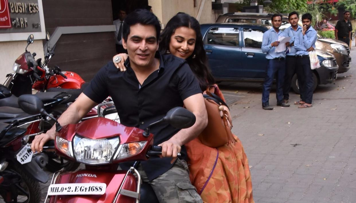 Manav gears up for a slow, romantic ride as Vidya sits like a doting housewife.  (Pic by Viral Bhayani)
