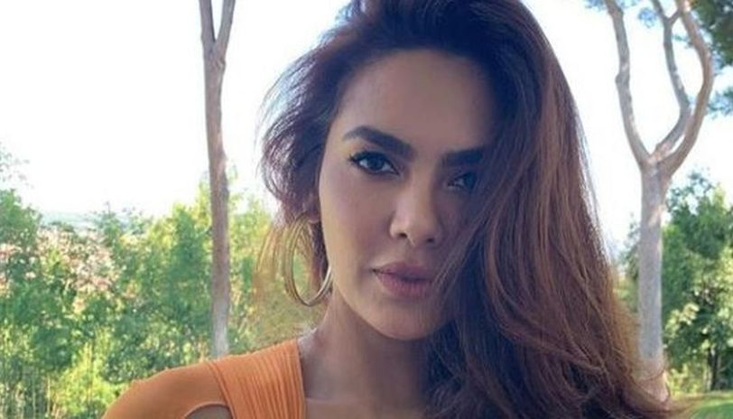Esha Gupta's Twitter account has been hacked and the actress posted an update requesting netizens to not respond to any direct messages