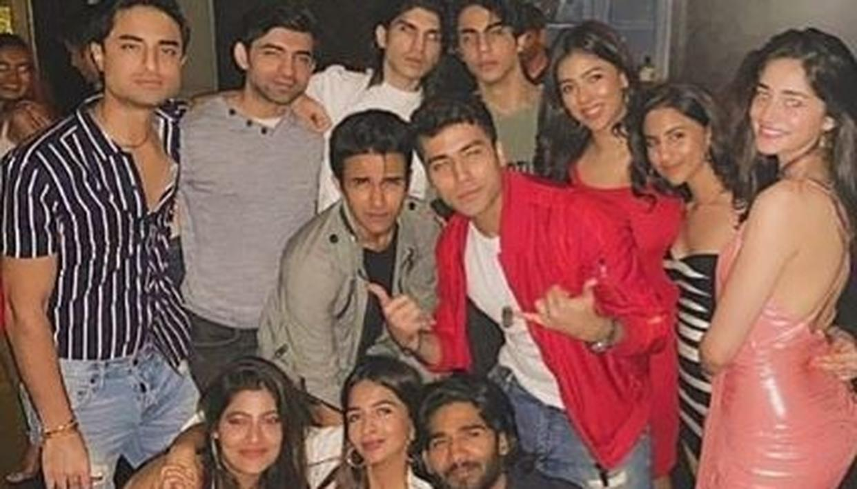 Ananya Panday who recently made her acting debut with Karan Johar's 'Student of The Year 2' has garnered quite a massive fan following in a very short span of time.