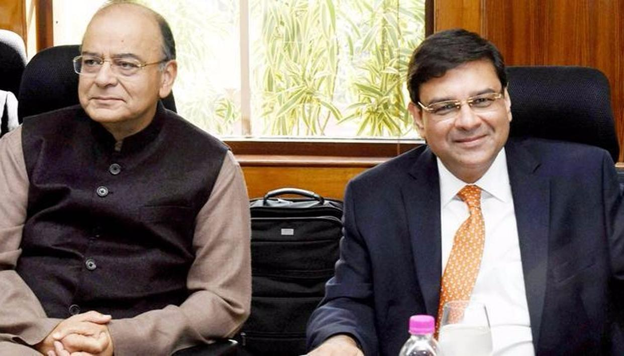 RBI boss purrs over Jaitley's move