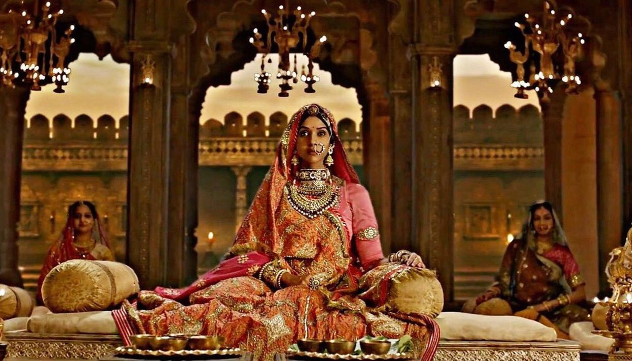 Mysterious woman in 'Ghoomar'