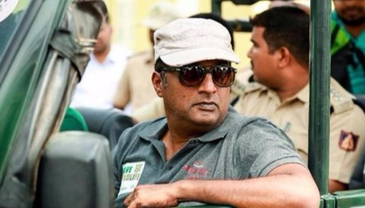 PRAKASH RAJ SPARKS ANTHEM DEBATE AGAIN