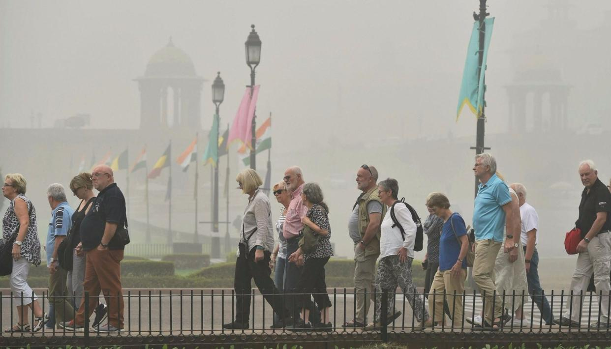 'POLLUTION DRIVING AWAY TOURISTS'