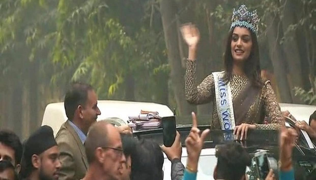 MISS WORLD CARRIES OUT ROAD SHOW
