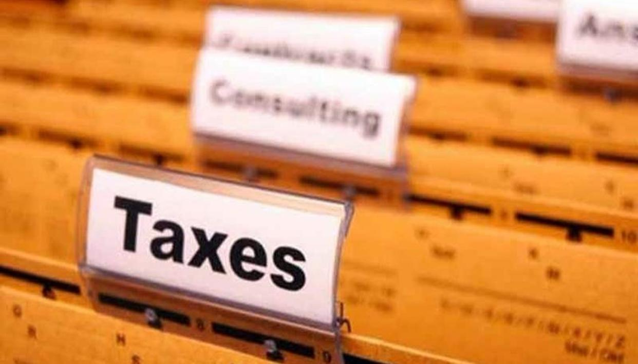'GOVT MAY TWEAK TAX SLABS'