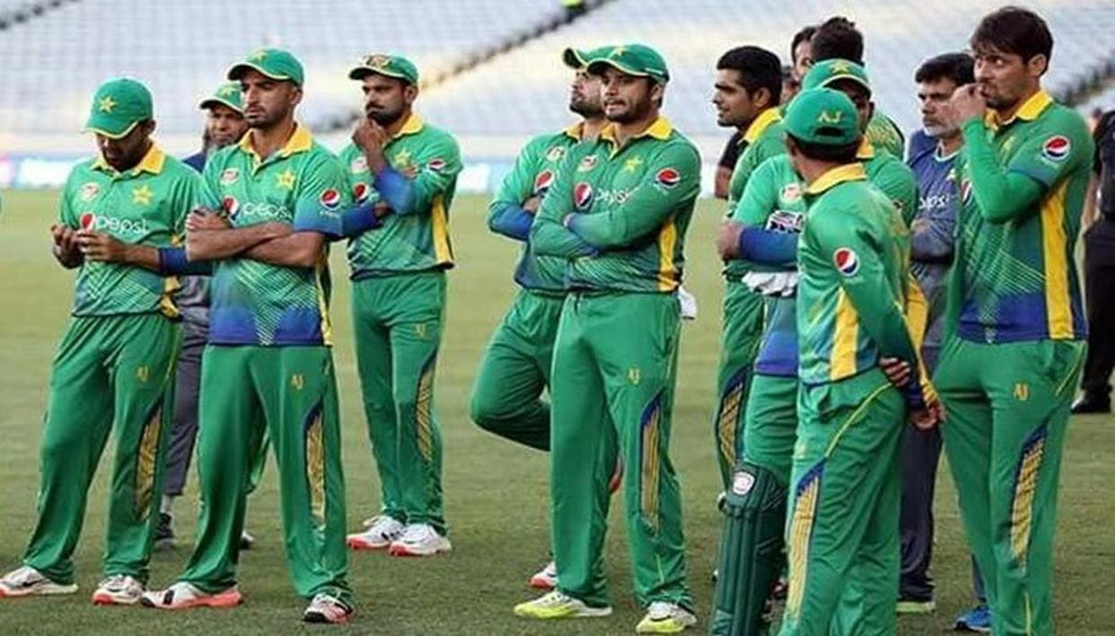 'PAK TEAM SHOULD LEARN FROM MISTAKES'