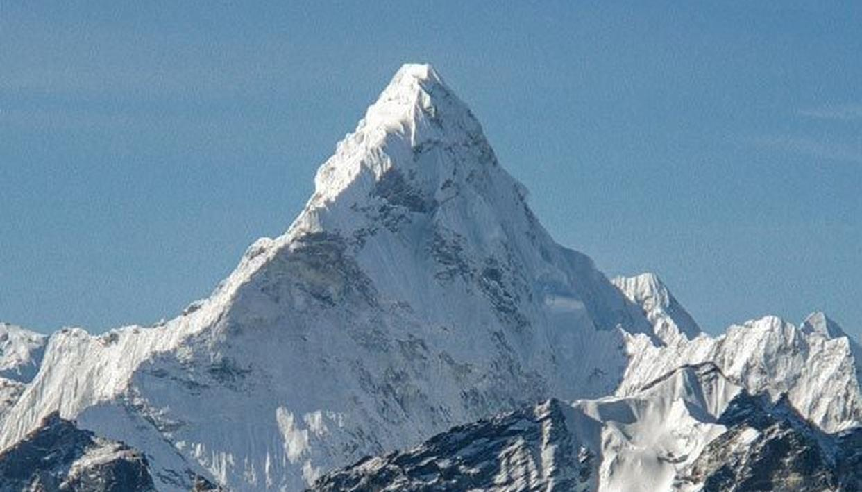 CHINA DISAGREES WITH MT EVEREST HEIGHT