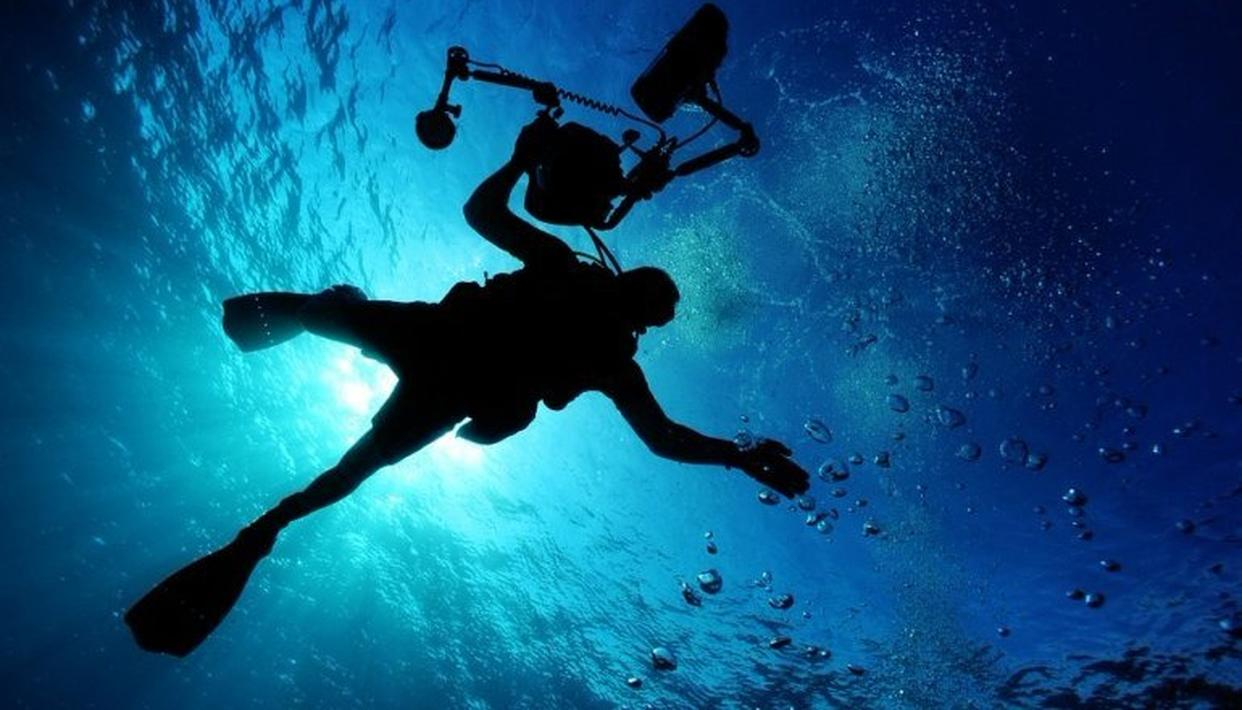 SCIENTISTS TO RECREATE MEXICAN UNDERWATER CAVE
