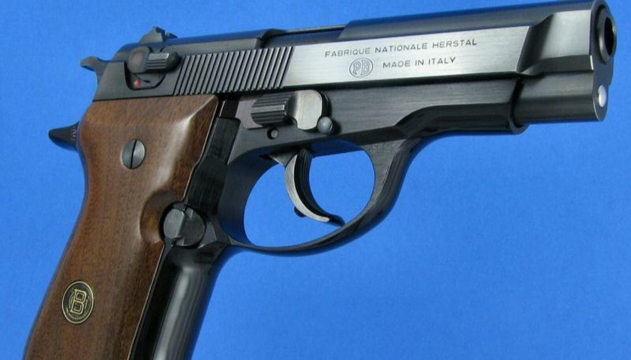 2 INDIAN HELD WITH PISTOL IN NEPAL