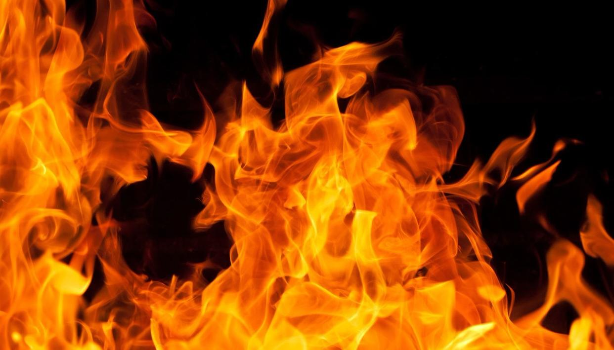 SALEM: LAKHS OF SPARE PART GUTTED IN FIRE