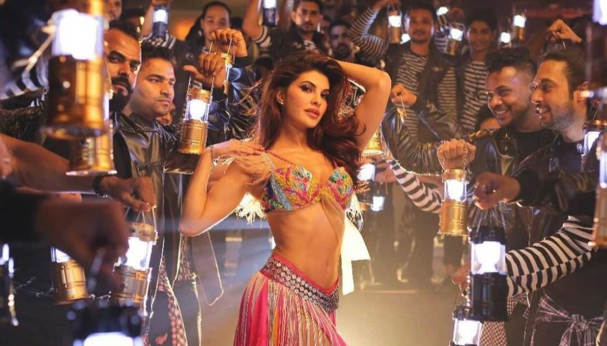 JACQUELINE BRINGS THE SIZZLE TO SUMMER!