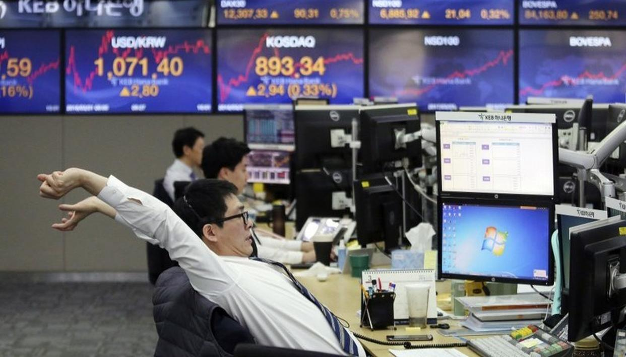 ASIAN STOCK ADVANCE AHEAD OF FED MEETING