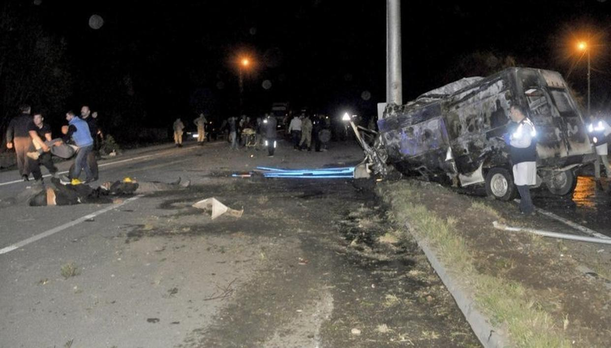 TURKEY: 17 PEOPLE KILLED IN ROAD ACCIDENT