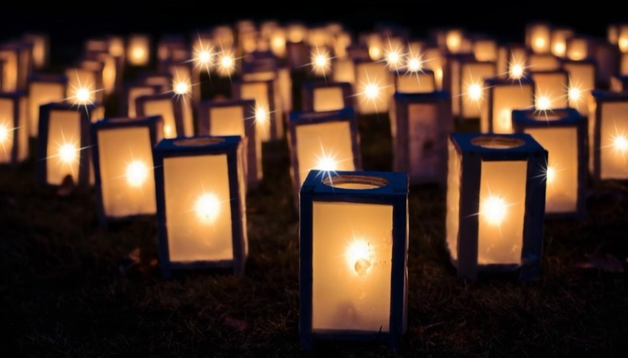 1,000 LANTERNS RELEASED IN MOSUL