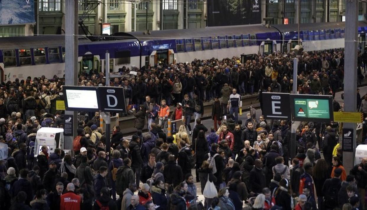 FRENCH STRIKE BRINGS TRAIN SERVICES TO HALT