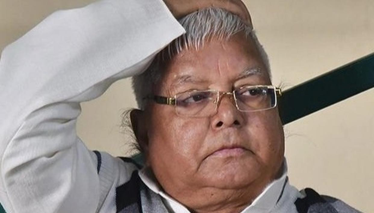 LALU WANTS TO STAY IN AIIMS, THROWS TANTRUM