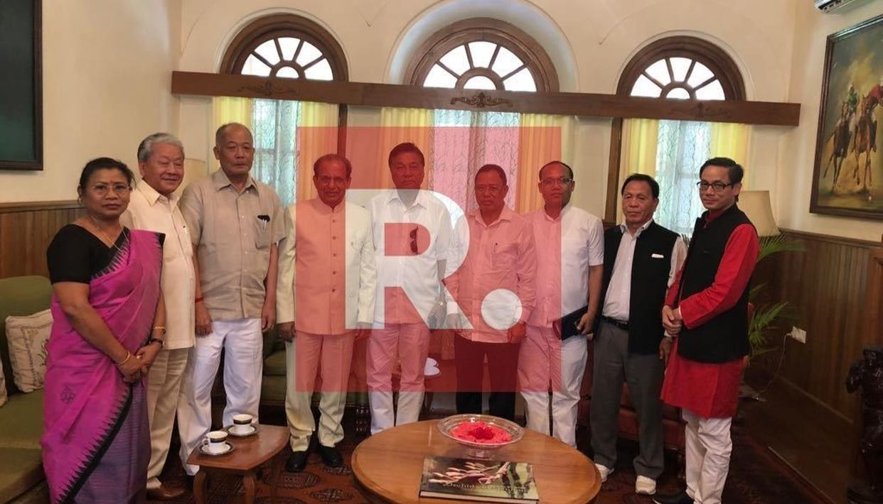CONG STAKES CLAIM TO FORM GOVT IN MANIPUR