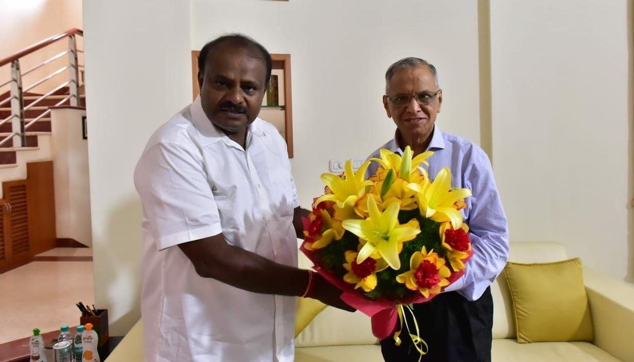 KUMARASWAMY RECRUITS MURTHY; GETS COMPLIMENT