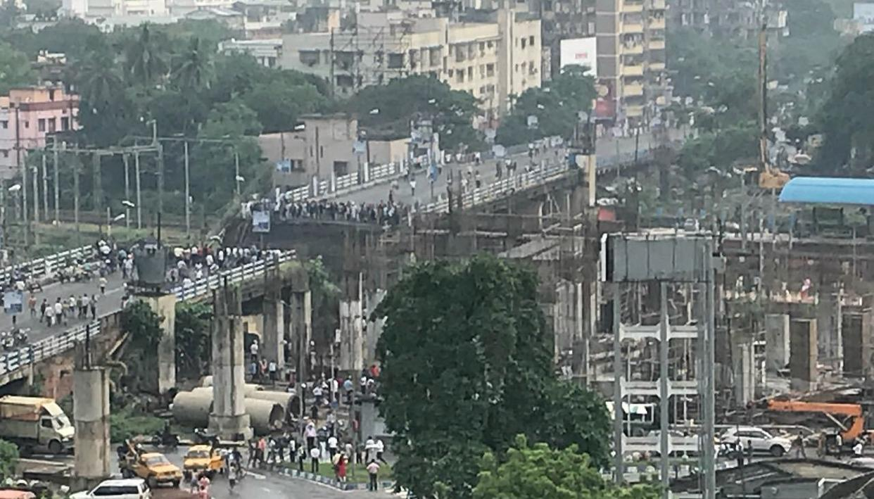 BRIDGE COLLAPSES IN KOLKATA'S MAJERHAT: LIVE UPDATES