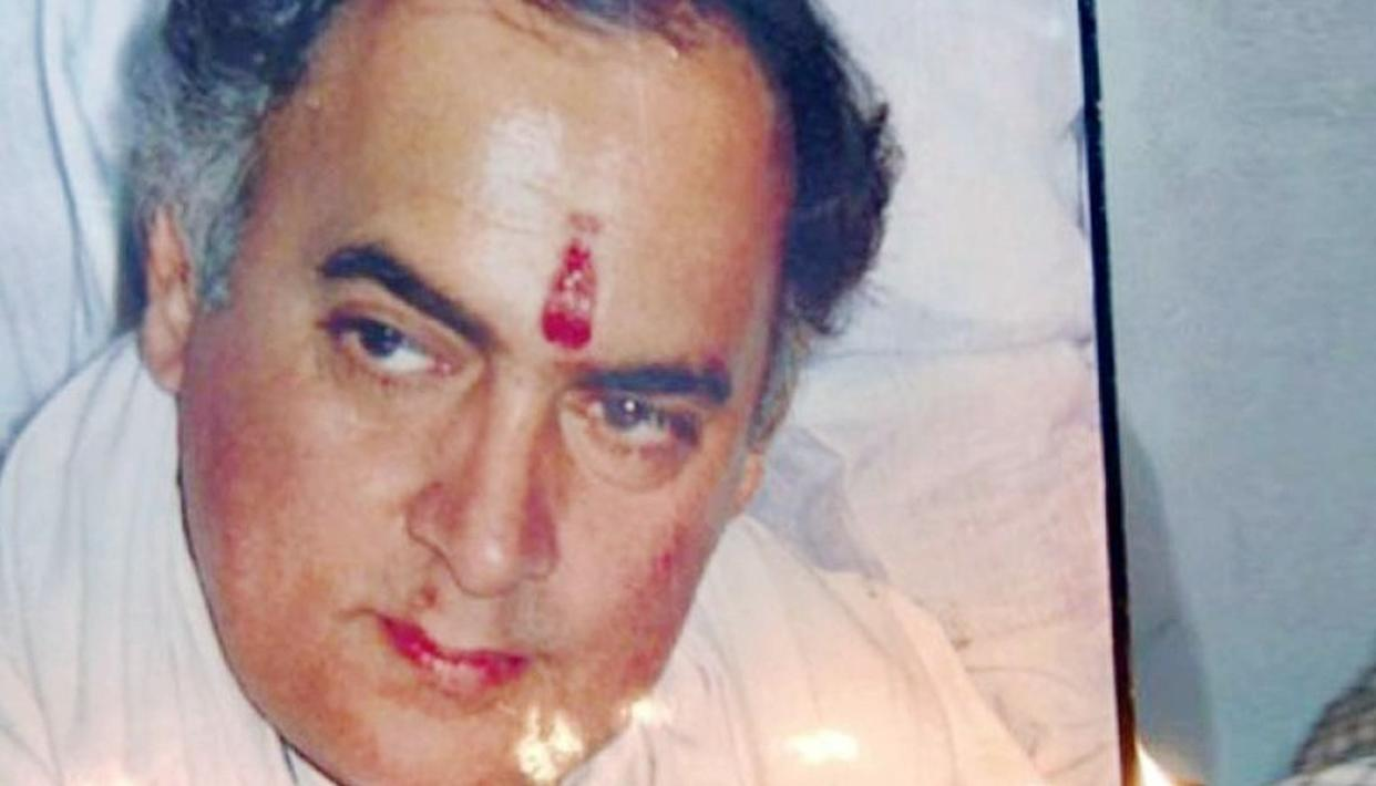 RAJIV GANDHI ASSASSINS SHOULDN'T BE RELEASED SAY FAMILIES OF OTHERS SLAIN, PETITION THE TN GOVERNOR