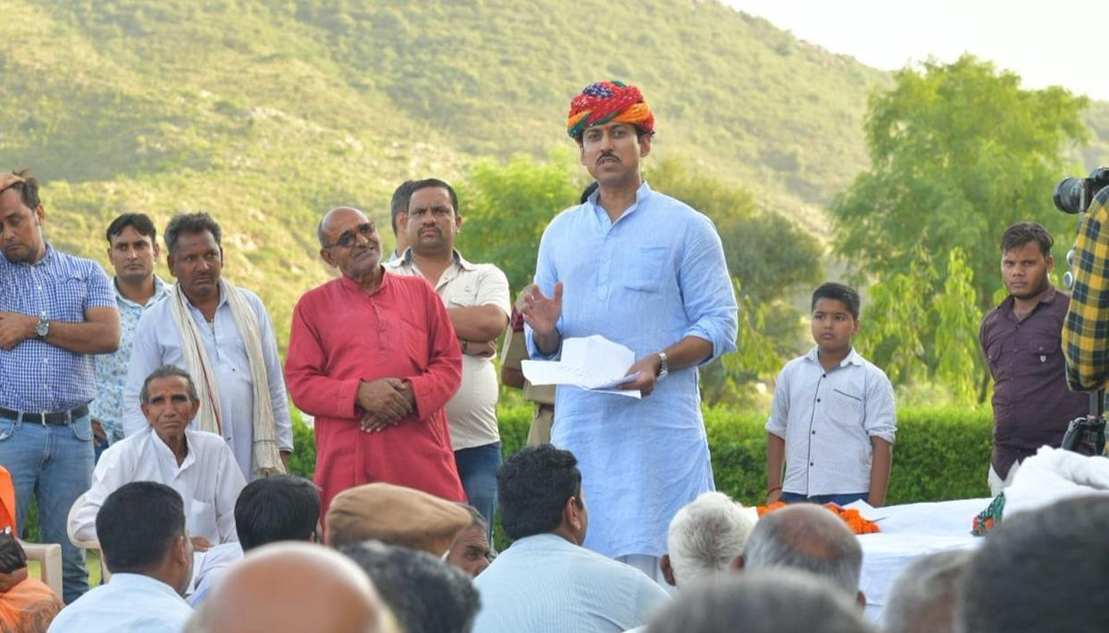 RAJYAVARDHAN RATHORE VISITS RURAL JAIPUR