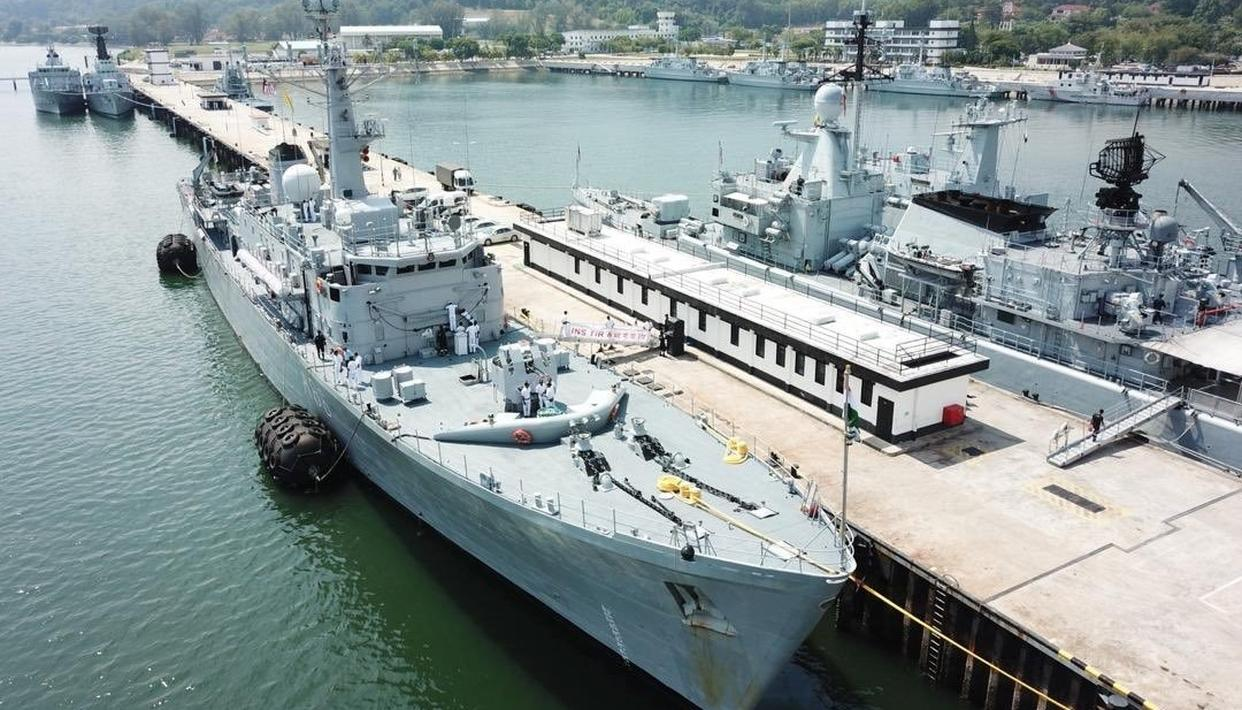 INDIA RUSHES NAVY SHIPS TO EARTHQUAKE-HIT SULAWESI