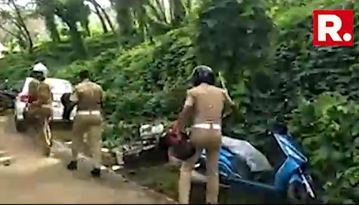 WATCH: Police Personnel vandalise vehicles parked near Sabarimala base camps in Pamba and Nilakkal