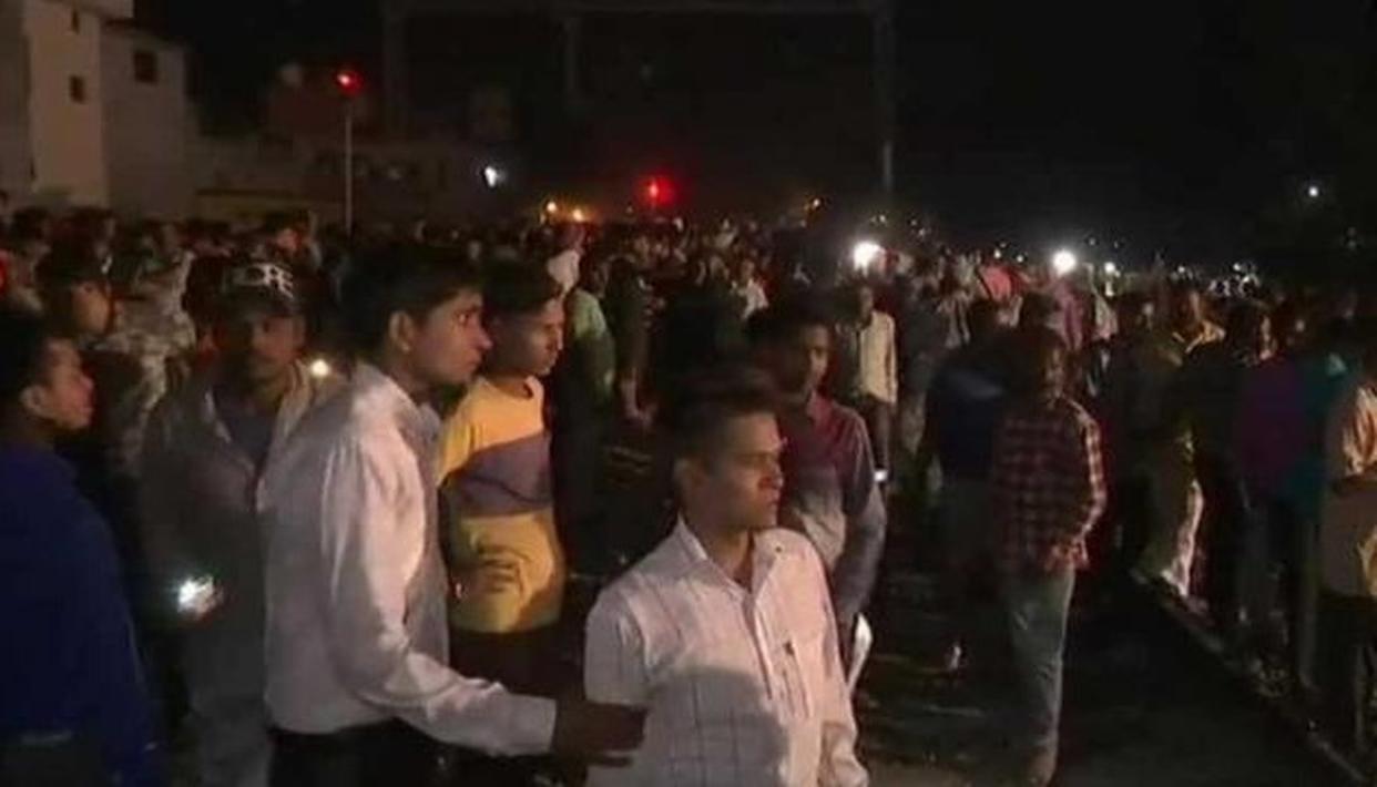 अमृतसर में बड़ा रेल हादसा, दशहरा देख रहे कई लोग आए ट्रेन की चपेट में,  PM मोदी ने जताया दुख