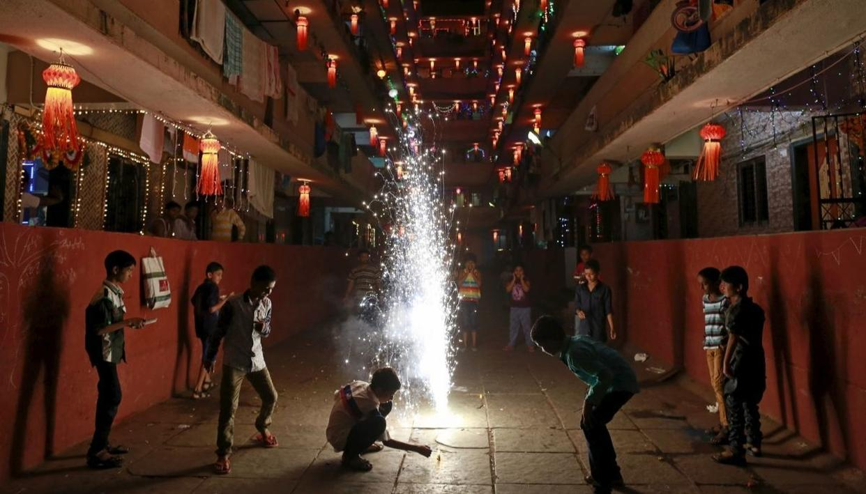 SC ALLOWS SALE OF FIRECRACKERS WITH CAVEATS